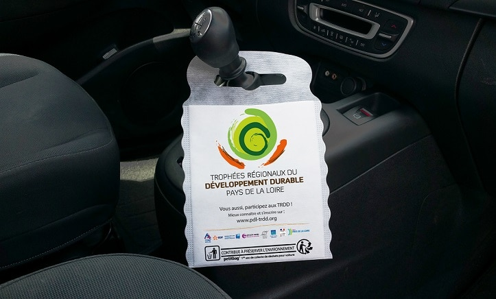 Accessoire int rieur de voiture le sac pratique cologique for Accessoire interieur voiture